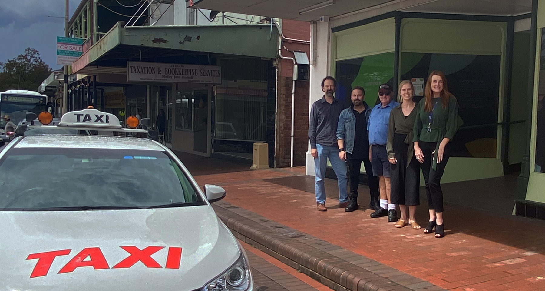 headspace Lithgow staff and local taxi driver